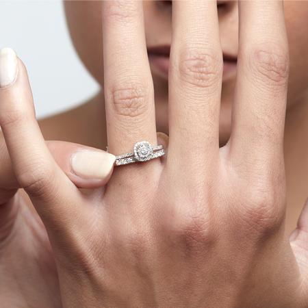 anillos con diamantes combinables