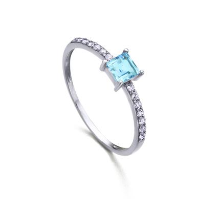 a718718b4f66 Anillo Oro blanco con Topacio talla Carré y diamantes