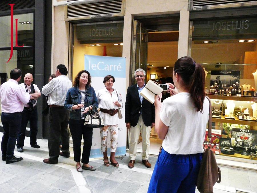 Bloggers y prensa fotografiando el evento