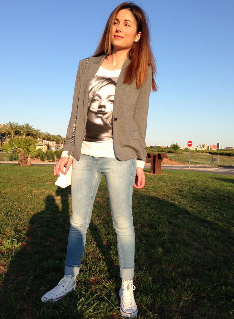 Camiseta de Kate Moss color gris