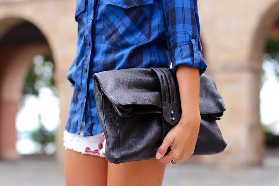 Cltuh de cuero negro  de Zara