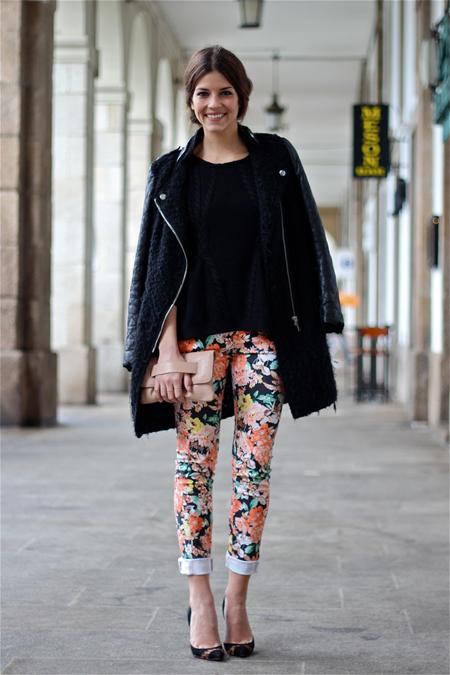 Trendytaste con estilismo pantalones de flores
