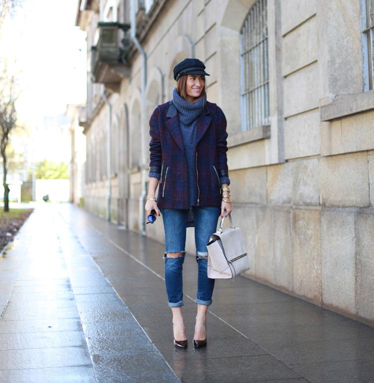 Silvia con un Look de jeans rotos