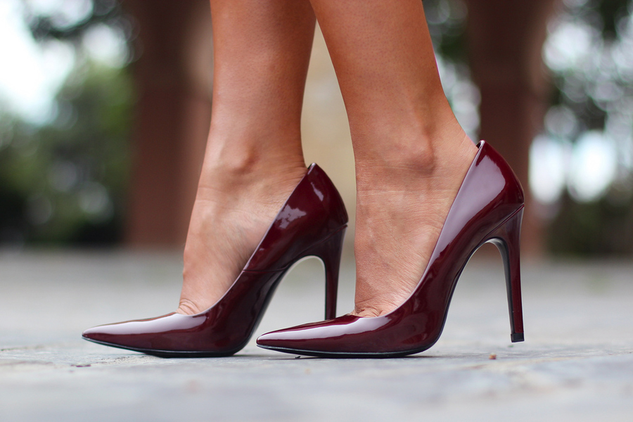 Zapatos color burgundy de Zara